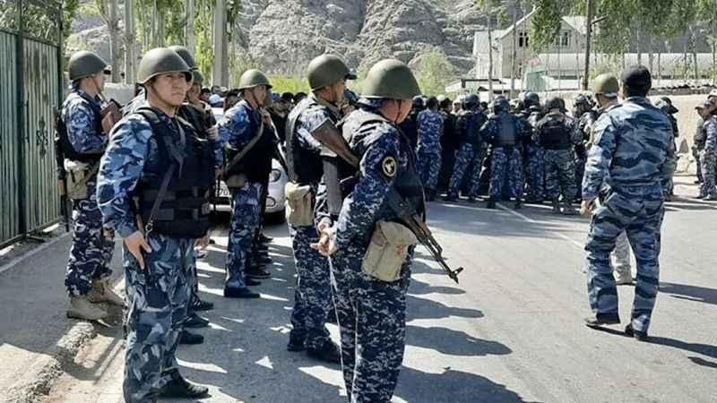 Kırgızistan, Tacikistan sınırına kısıtlama getirdi