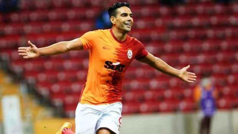 Galatasaray'a çılgın takas teklifi! Ver Falcao'yu...