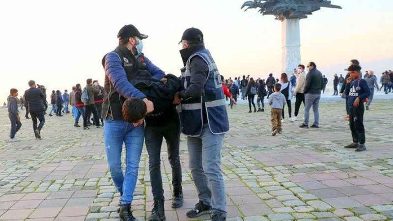 İzmir'de eylem ve etkinlikler yasaklandı!