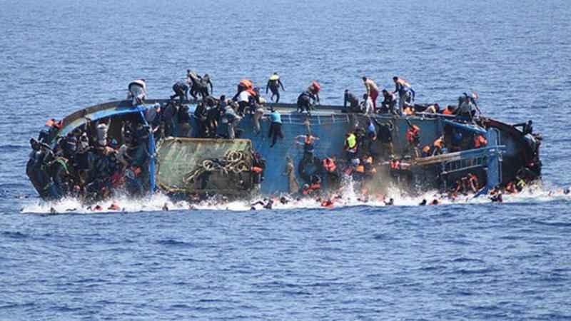 Yolcu teknesi faciası: 140 kişi kayıp