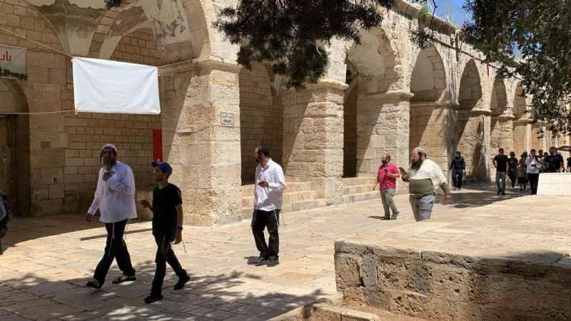 Son Dakika: 120 Yahudi işgalci Mescid-i Aksa'ya baskın yaptı