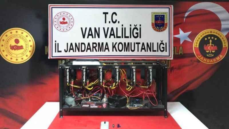 Van'da 700 bin TL değerinde kripto para üretim cihazı ele geçirildi