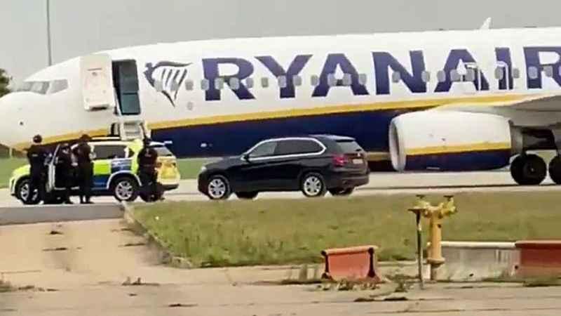 Belarus'tan sonra Berlin! Ryanair uçağında yine bomba ihbarı