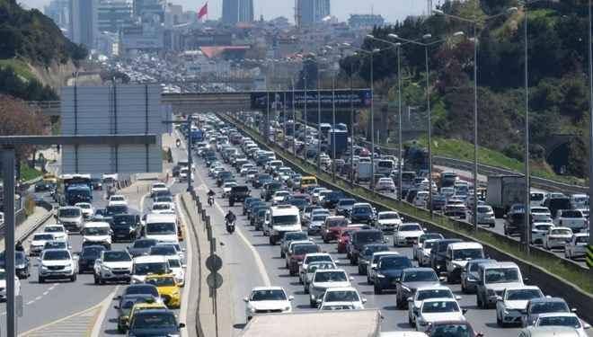 İstanbul'da trafik yoğunluğu yaşanıyor! Trafik kilit