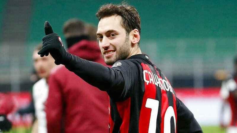 Hakan Çalhanoğlu'nun yeni takımı belli oldu: Milan'ı redde
