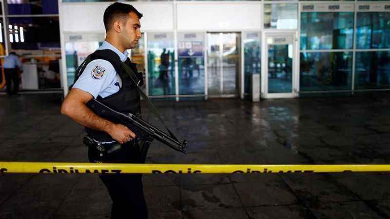 Son Dakika: Atatürk Havalimanı'nda oksijen tüpü patladı!