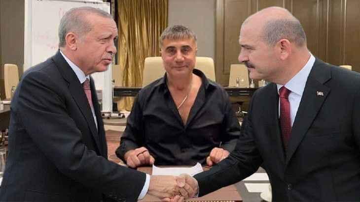 Karacaflaş yazı: AK Parti artık AKP oldu, yeniden AK olması için...