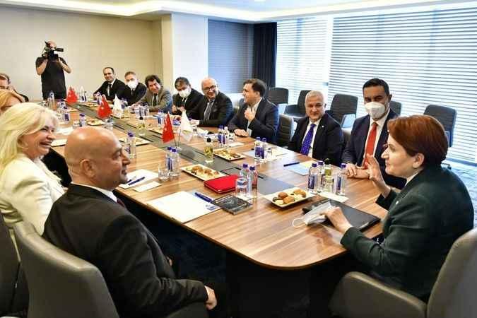 Meral Akşener, EDDP heyetini genel merkezde kabul etti
