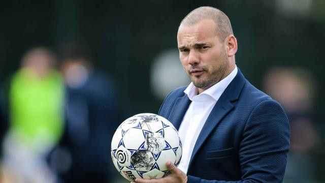 Wesley Sneijder kariyeri için yeni adım atmaya hazırlanıyor