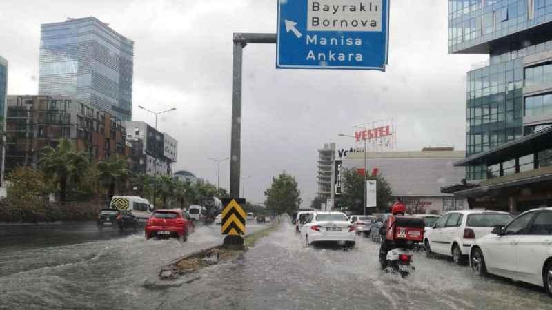 İzmir'de bugün hava nasıl olacak? Meteorolojiden yağış uyarısı