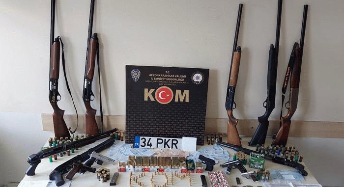 Son dakika 4 ildeki Sedat Peker operasyonunda 2 kişi tutuklandı