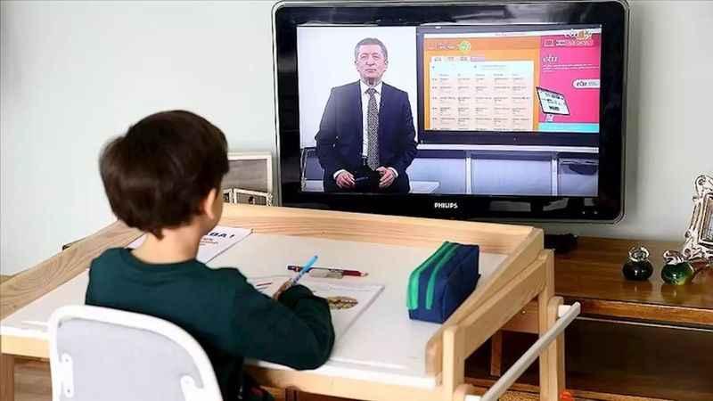 EBA'da 15 Haziran ders programı! EBA TV'de bugün hangi dersler var?