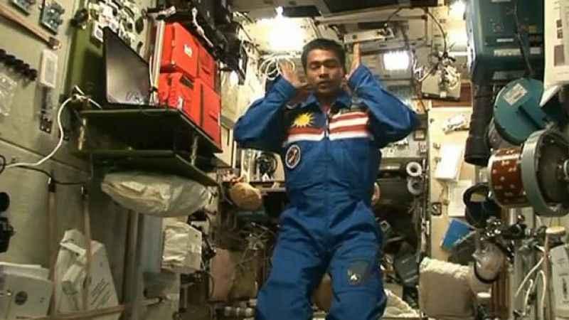 Mahmut Toptaş Hoca yazdı: Uzayda namaz kılınabilir mi?
