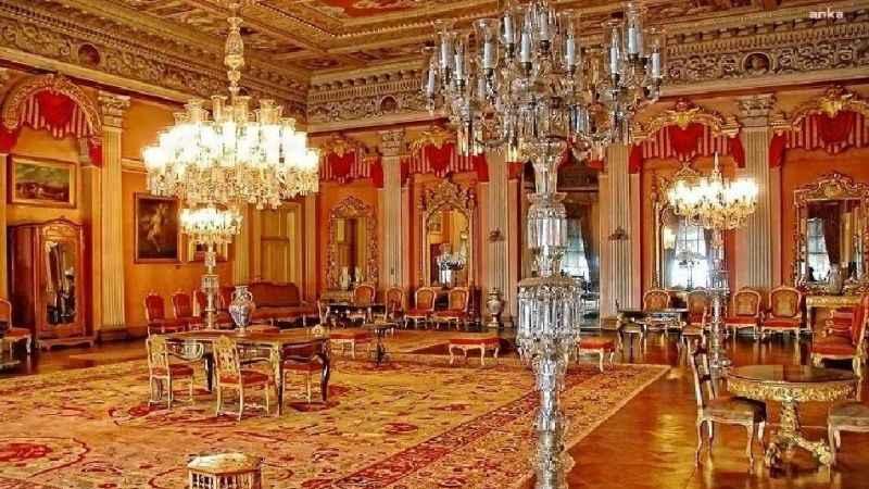 Dolmabahçe Saray'ındaki 92 kiloluk altın vazolar kayıp!