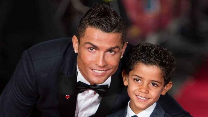 Cristiano Ronaldo'nun bir günü! İşte sevdiği yemekler ve hobileri...