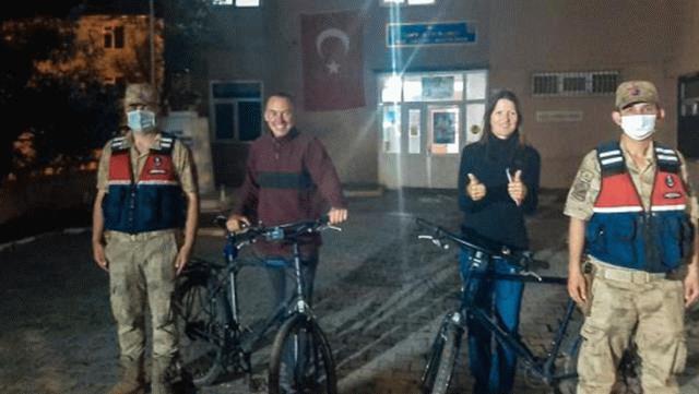 Bisiklet ile Türkiye turuna çıkan turistlerin bisikletini çaldılar