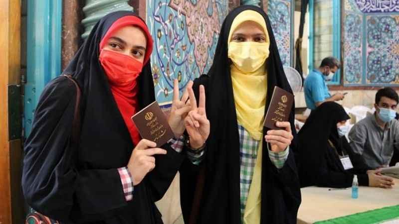 İran'da seçime katılım yüzde 48 ile en düşük seviyede kaldı