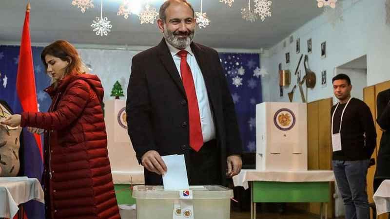 Ermenistan'da erken parlamento seçimi başladı