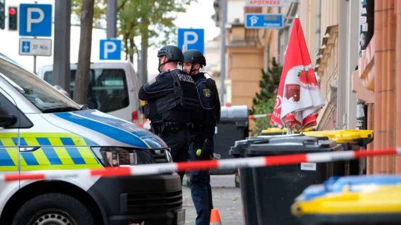 Almanya'da silahlı saldırı! 3 kişi yaralandı