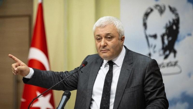 CHP'li isimden Metin Yener paylaşımı: Çift maaş alan biri...