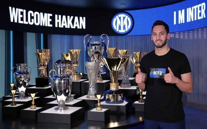 Resmi açıklama geldi: Hakan Çalhanoğlu Inter'de