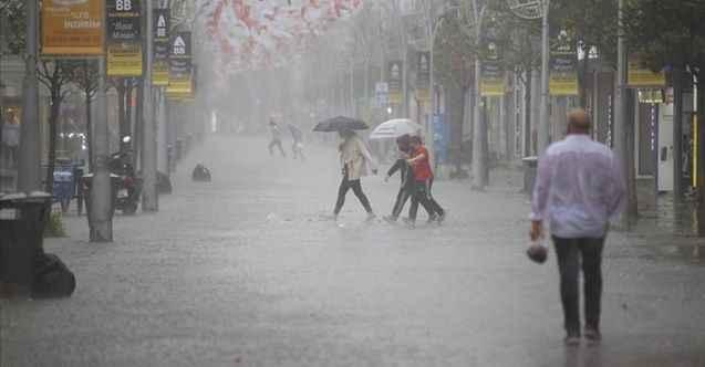 Sakarya ve Kocaeli'de etkili yağış ve fırtına