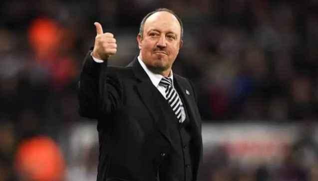 Rafael Benitez, Cenk Tosun'lu Everton'ın başına geçiyor