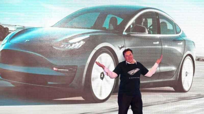 Tesla'da büyük arıza! 285 bin araç geri çağrıldı