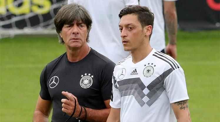 Löw'den Mesut Özil itirafı: Büyük bir insani hayal kırıklığı...
