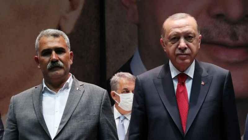 HDP'den istifa eden Felat Aygören AKP'ye geçti: Erdoğan rozet taktı