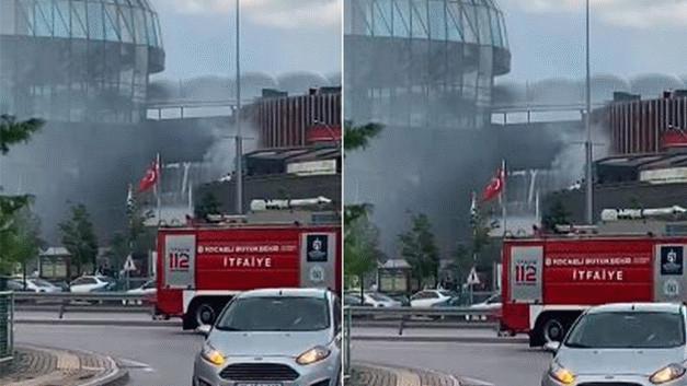 Kocaeli'nde içinde yüzlerce kişinin bulunduğu AVM'de korkutan yangın