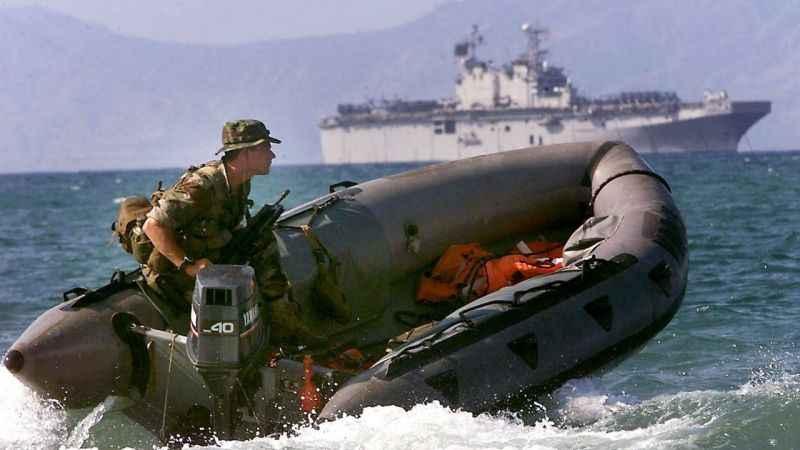 Filipin sahil güvenliği Çin savaş gemisini püskürttü