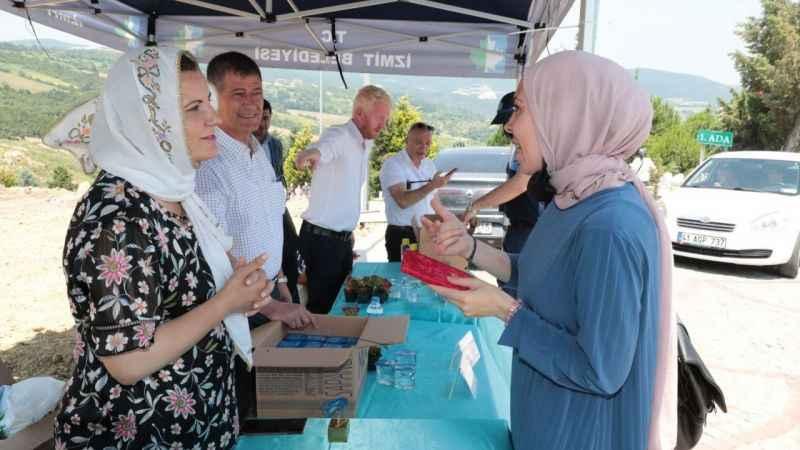 CHP'li Başkan vatandaşlara Yasin-i Şerif hediye etti