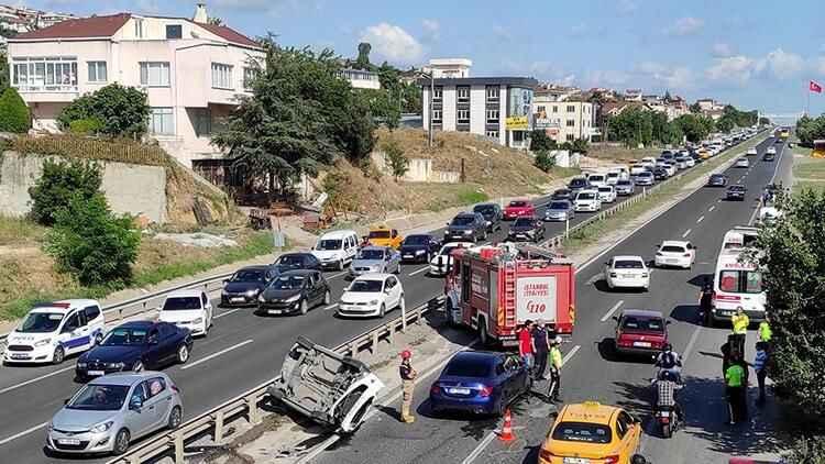 Büyükçekmece'de korkutan trafik kazası: 6 kişi yaralandı