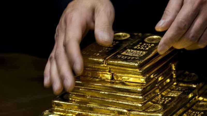 Altına yönelenler dikkat! Dünyaca ünlü bankadan altın fiyatı uyarısı