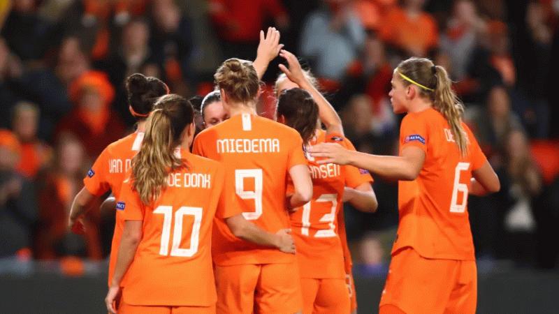 Hollanda Çin'e gol olup yağdı