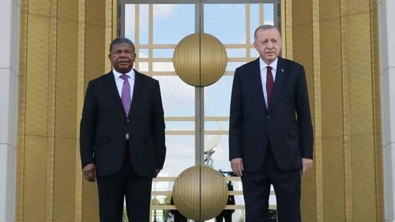 Cumhurbaşkanı Erdoğan, Angolalı mevkidaşını resmi törenle karşıladı