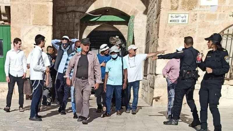 Onlarca işgalci Yahudi yine Mescid-i Aksa'yı bastı!
