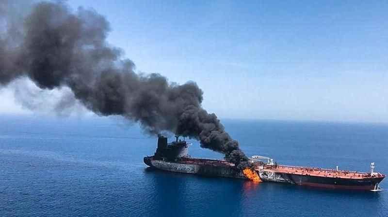 İngilizler duyurdu! İsrail gemisi Umman'da saldırıya uğradı