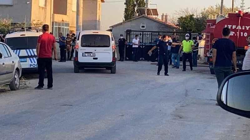 Son dakika haberine göre Konya'da, bir eve düzenlenen silahlı saldırıda 7 kişi yaşamını yitirdi, ev de ateşe verildi.