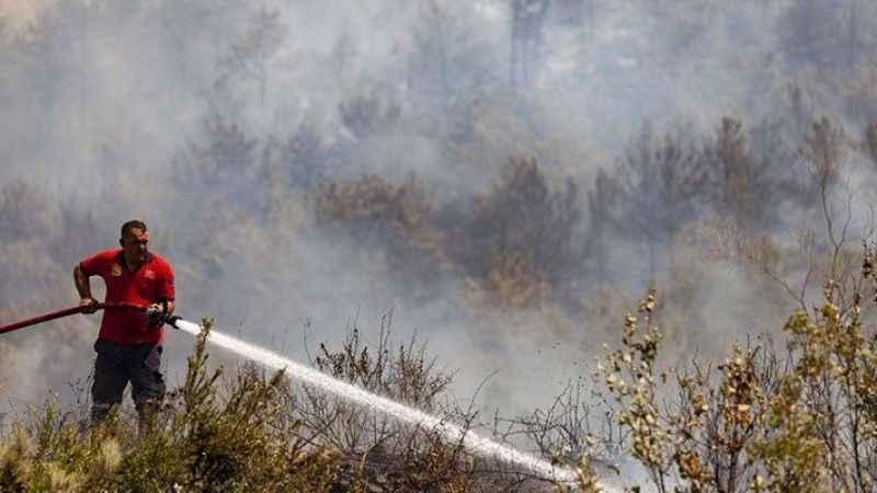 Mersin Silifke'deki 2 yangın kontrol altına alındı