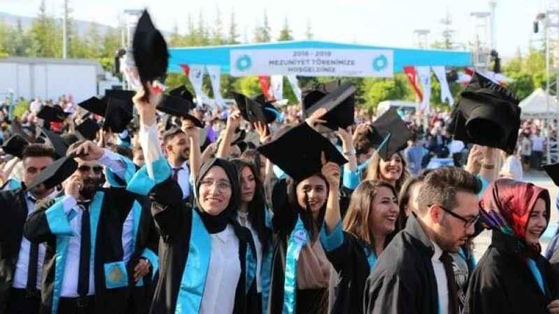 Barajı geçenlerin %64'ü üniversiteli olacak