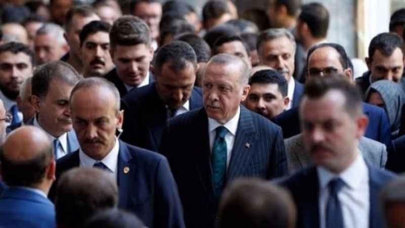 İktidara yakın yazar açıkladı! Erdoğan o bakanların üzerini çizdi