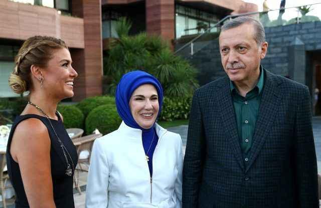 """Gülben Ergen'den """"Help Turkey"""" soruşturmasına sert tepki: """"Vah bize!"""""""
