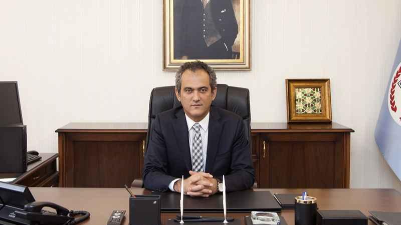 Milli Eğitim Bakanı Mahmut Özer, görevinden ayrıldı