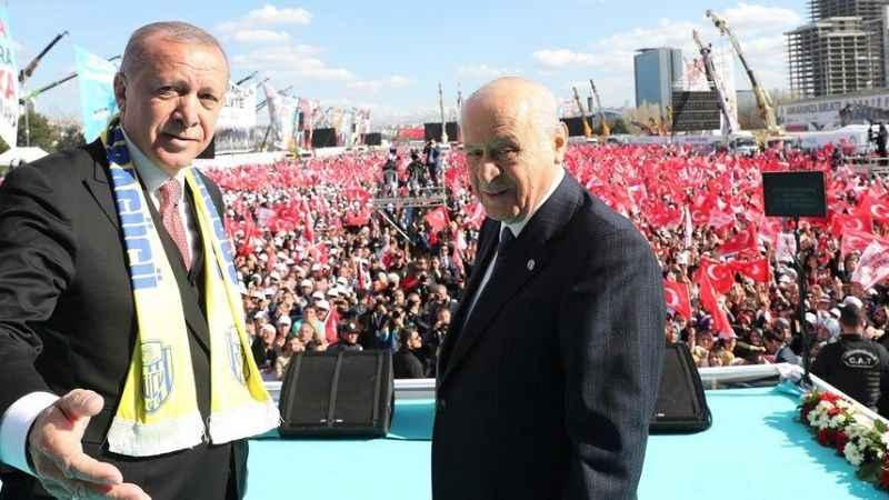 Kahveci'den AKP'lilere tepki! Ülkeyi tek adama ve partiye bağladınız