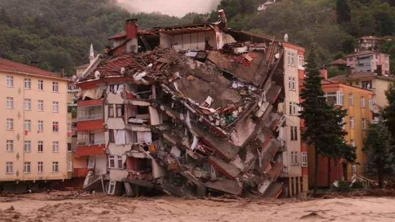 Batı Karadeniz felaketi yaşıyor! 2 vatandaşımız hayatını kaybetti