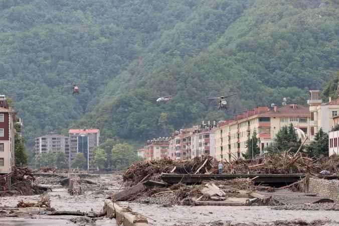 Batı Karadeniz'de afet… Sel 11 kişiyi aldı!
