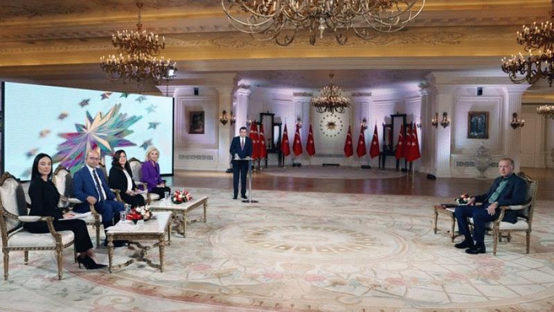 Ekonomistlerden faiz kararı yorumu: Piyasanın fendi Erdoğan'ı yendi