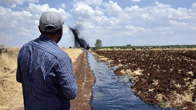 Şanlıurfa'da boru hattı patladı: Tarlalar petrol ile sulandı